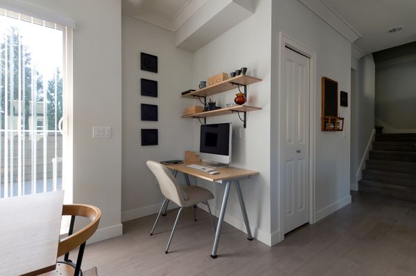 An Office in a Small Space — Is It Possible?