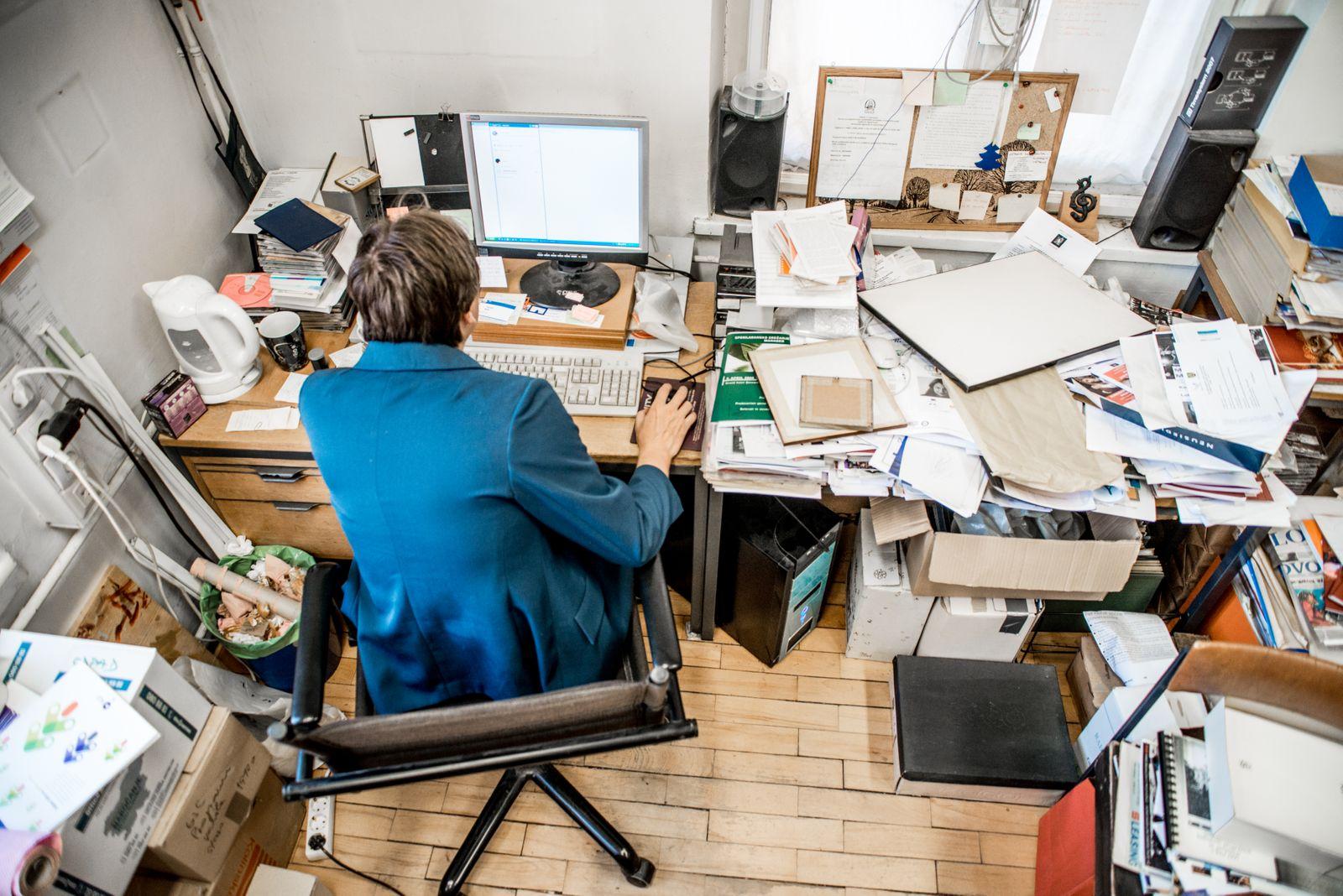 Declutter home office desk
